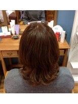 アンティース3 ヘアプロフェション(ANTIS3 HAIR PROFESSION)明るめカラーと束感カールで、ナチュ・ガーリー