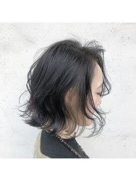 ナーリー(GNARLY Hair Design)インナーカラーの切りっぱなしボブ