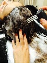 ヘアスタイルをずっと楽しむためのケア。髪と頭皮のケアにとことんこだわるvitolaの極上ヘッドスパ洗浄♪