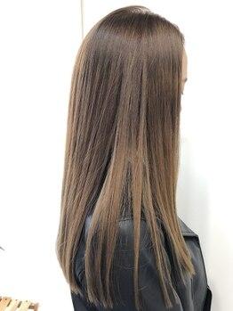 """ルーツ(ROOTS)の写真/話題の""""FIBREPLEX""""縮毛矯正で髪へのダメージを減少◎カラーと縮毛矯正を同時に叶えるなら[ROOTS]へ♪"""