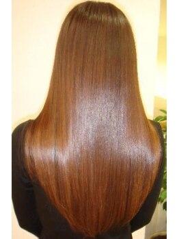 ヘアアンドメイク ジェイジェニック(HAIR&MAKE J GENIC)の写真/髪の性質を見極めればこそ!【縮毛×鮮やか発色カラー】【縮毛×ふんわりカール】は同時に叶うんです★