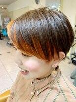 美容室 ダルテ(d'Arte)オレンジインナーカラー×刈り上げマッシュショート