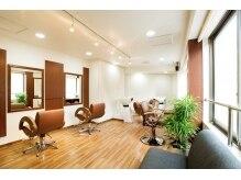 ぉ家サロン(Salon)の雰囲気(3席のみ!緑とブラウンで統一されたプライベート空間です。)