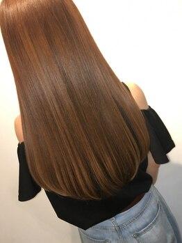 ヴェルデ(VERDE)の写真/【半田山】ダメージレス×極上のツヤ感お任せ!自然なストレートヘアが得意なVERDE♪「潤ってまとまる髪に」