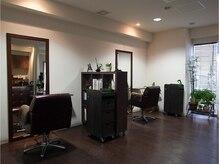 ダン美容室(dAN)の雰囲気(席を仕切り広くスペースをとりました。ゆっくりお過ごしください)