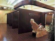 ラグジュアリーサロン ホワイト Luxury salon WHITE