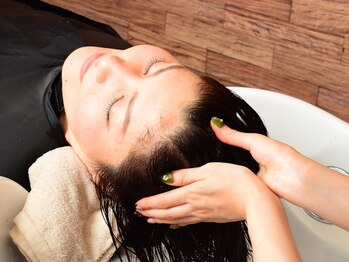 ヘアールシア(hair Lucia)の写真/ココロも体もとろける様なバリ式ヘッドスパで極上のひとときをあなたに☆育毛促進&疲れ解消に効果的!