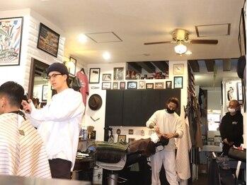 イーストサイドバーバーショップ(EAST SIDE BARBER SHOP)の写真/若者からオヤジ世代に『男の空間』を提供