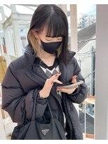 黒髪 × ブロンド インナーカラー ボブ
