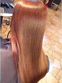 美容室 髪物語の写真/縮毛矯正専門店だからこそできる美髪再生技術!研究を重ねた技術でクセやうねりなどのお悩みも解決。