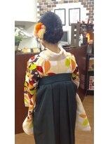 サロンド クラフト(salon de craft)【卒業式】クラシカルな編み込みシニヨン袴スタイル♪
