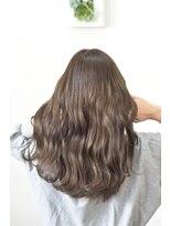 フォルカ ドゥ ヘアドレッシング(FORCA deux hairdressing)ベージュカラー