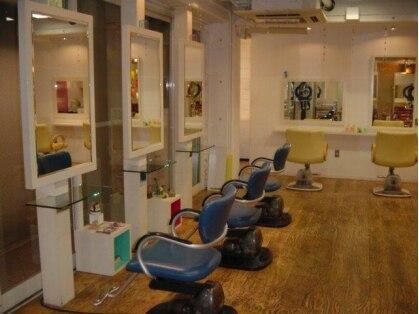 ヘアードレッシングルーム サンサンイチ(hair dressing room 331)の写真
