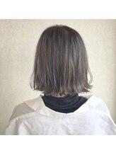 ワヴ ヘアー(WUV HAIR)ラベンダーグレージュ切りっぱなしボブ