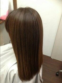 ダブル ヘアー(DOUBLE HAIR)の写真/【新広駅徒歩5分】DOUBLE HAIRの縮毛矯正は自然な毛先を再現できるナチュラルストレートな仕上がりと人気♪