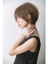 レア 渋谷(Le'a)【Le'a】トップふんわり 首元きれい 小顔 丸みショート
