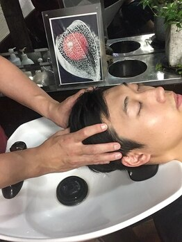 ヘアーメイクサロンアカイシ(hairmake salon AKAISHI)の写真/ヘッドスパメニューで頭皮をスッキリ、リラックスさせましょう!