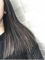 アレーン ヘアデザイン(Alaine hair design)【NAOMI】ブラントロング×ブルーブラック×3Dハイローライト