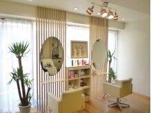 ヘア アトリエ モテナ(hair atelier motena)の雰囲気(♪白を基調としたキレイな店内♪ゆったりおくつろぎください☆)