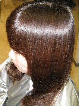 ヘアメイク レガーロ(Hair make Regalo)の写真/【日比野】髪を傷ませないクリニックカラーなら、理想的な発色とおさまりの良い髪に…☆クーポンもcheck!!