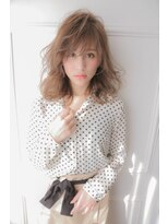 アミ(Ami)Ami カラーが柔らく見えるスタイル。
