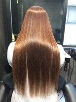 縮毛矯正 手で乾かすだけのサラサラストレートヘアー