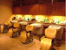 ヘアリゾート スタイル(hair resort STYLE)の雰囲気(やわらかい照明で、シャンプーの心地よさもUP)