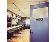アグ ヘアー ベル 溝の口店(Agu hair bell by alice)の雰囲気(☆【気分が上がる空間】店内の家具1つ1つこだわりを感じる…。)