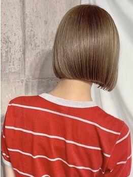 ヘーゼル 博多(HAZEL)の写真/美しさは『後ろ姿』から…♪毛先のラインが美人度UP!!視線を独り占めするツヤサラの髪質改善ストレート。