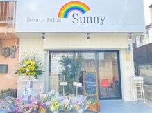 サニー(Sunny)の雰囲気(店舗前に駐車場あり!店舗前道路も広く駐車しやすいです。)