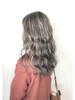 ソース ヘア アトリエ(Source hair atelier)ホワイトベージュハイライト