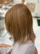 ヘアナヴォーナ (hair NAVONA)ミルクティー系カラー(ケアブリーチ)