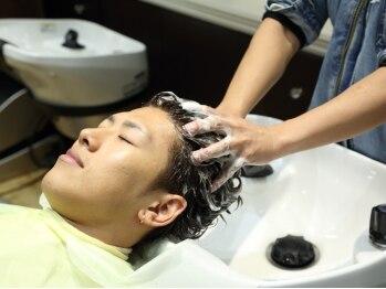 ヘアーズヨシオカ(HAIR'S YOSHIOKA)の写真/始めよう、頭皮ケア。高濃度炭酸泉使用《ターボヘッドスパ》で頭皮スッキリ、髪生き生き!若い方にも◎