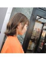 【五番街】アッシュベージュ×刈上げ女子