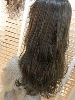 ヘアーアンドメイク ルシア 梅田茶屋町店(hair and make lucia)柔らかカーキアッシュ