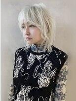 シキナ(sikina)【ナカムラ_design】ホワイトブロンドウルフ