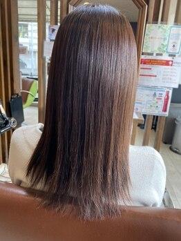 セカンド(SECOND)の写真/色あせない美しさを貴女に。季節の変わり目で乾燥しがちな髪を、潤いのある質感に◎