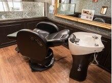 ヘアーサロン オルゴーリオ(Hair Salon Orgoglio)の雰囲気(洗髪もその場で。移動も最低限で落ち着けます。)