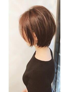 ミッシェル 目黒品川店(Michelle by afloat)20代30代40代50代の可愛いはラウンドCカーブカットの新くびれ髪