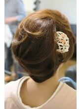 桜ギンザ (Ginza)フロントウェーブからの柔らか和装ヘア。