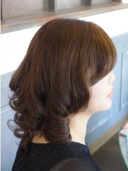 スロースペースの写真/《大人女性の綺麗をサポート》最旬トレンドを取り入れたカラー提案で、肌の色まで明るく魅せる髪色に☆