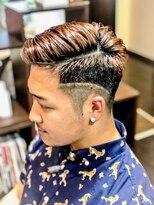 オムヘアーツー (HOMME HAIR 2)#ローフェード#barberstyle #髪質改善パーマ #Hommehair2nd 櫻井