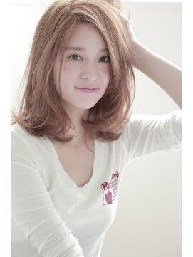 ミディアムウルフヘアアレンジ(女性髪型)ボブ×ウルフ