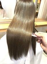 縮毛矯正毛、ブリーチヘアなどのハイダメージ毛にも施術可能です♪