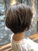 ヘアーガーデンロルド(hair garden Rold)憧れ外国人風くせ毛カールで、フェミニンショート