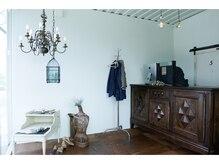カルド(CALDO)の雰囲気(ヨーロッパから直輸入したヴィンテージ家具に囲まれた空間♪)