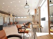アグ ヘアー ルミナ 土橋店(Agu hair lumina)の雰囲気(ゆったり寛げる空間。家にいるようにRelax。)