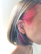 ヘア ラボ トアル(hair labo toaru)ピンク&ターコイズインナーカラーボブ