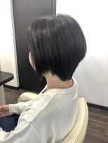 ヴィオレッタ ヘアアンドスペース(VIOLETTA hair&space)ショートカット×ツヤ×前下がり