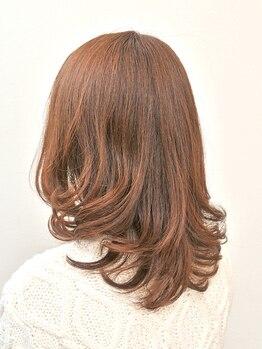 パッションツリー(Passion TREE)の写真/ダメージレスなカラー剤で、髪にハリとツヤを与えます♪気になる白髪も、グロスカラーでオシャレにカバー◆